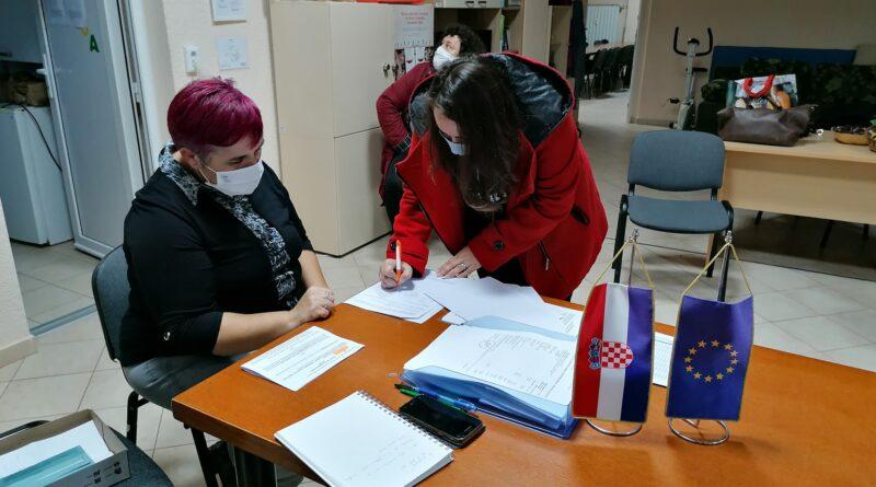Potpisani Ugovori o radu za fazu III osobne asistencije