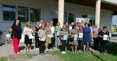 Dodjela uvjerenja djelatnicama zaposlenima na projektu Zaželi posao-pruži podršku 2.